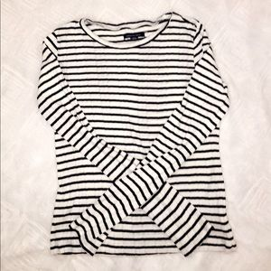 Black and white stripped Long sleeve